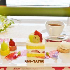 卵黄たっぷりのスポンジと上質な北海道産生クリームが自慢の「ショートケーキ」。