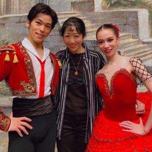 公演終了後に。左から池本祥真さん、斎藤友佳理さん、そして私です。