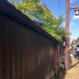 路地裏に入ると、より江戸時代にタイムスリップした気分に…。