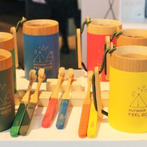 「yuantai」の「Pinkoi×miffy アウトドアカップ 全6色」と「Pinkoi×miffy 竹歯ブラシ 4本セット 全6色」。竹でできているので、環境にも優しいんです。