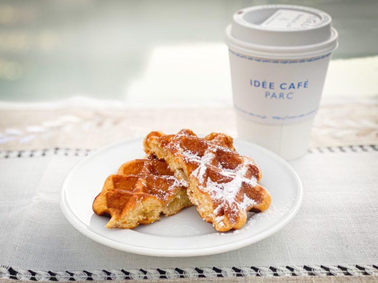 IDÉE CAFÉ PARC プレーンワッフルとドリンクのセット