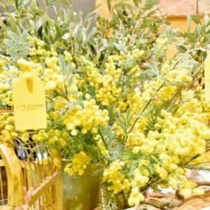 ミモザの造花も可愛い!
