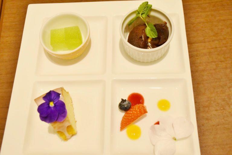 西新宿〈京王プラザホテル〉