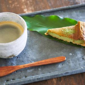 「ケーキセット(あしたばチーズケーキ、コーヒー)」800円。