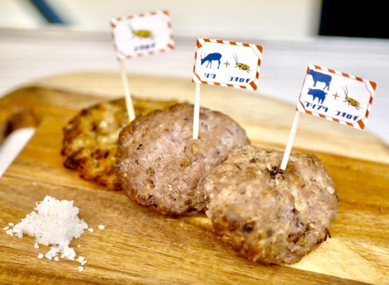 ハンバーグ食べ比べセット 3種1400円/1種700円(税込)。