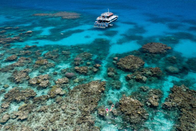 世界最大規模のサンゴ礁地帯グレートバリアリーフ。