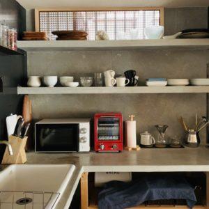 調理器具や食器も揃ってます。