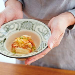 家でも簡単、時短でうまみたっぷりのキムチが完成!「あみ漬入り即席白菜キムチ」のレシピ。