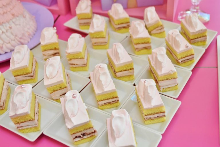 「ドレスアップ!ラズベリーショートケーキ」。