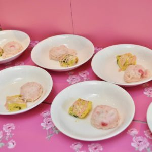「#カワイイ ビーツ入りポテトサラダ」、「フリッタータ ピンクソース添え」。