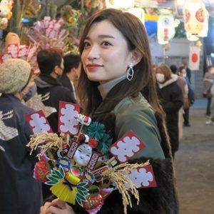 「花園神社の酉の市へ。熊手で来年の福をかき込もう!」/MARIKOの、神社 de デトックス!