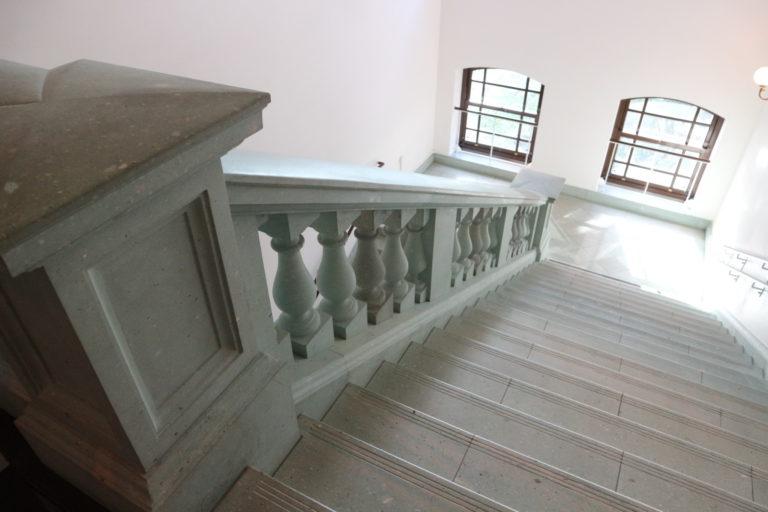中央階段は撮影もOK!