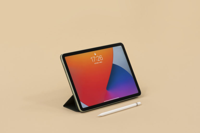 〈Apple〉のiPad Air