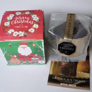 「クリスマス限定パッケージ トリュフケーキ 1個入り」300円。