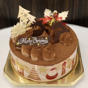 「クリスマス・ショコラケーキ」4号3,000円、5号4,000円、6号5,000円、7号6,000円、8号8,000円(写真は5号)。