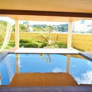 磯辺の湯「松風」の半露天風呂。
