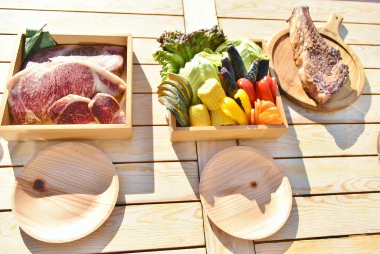 上質なブランド牛や新鮮な野菜を豪快に焼いて食べよう。