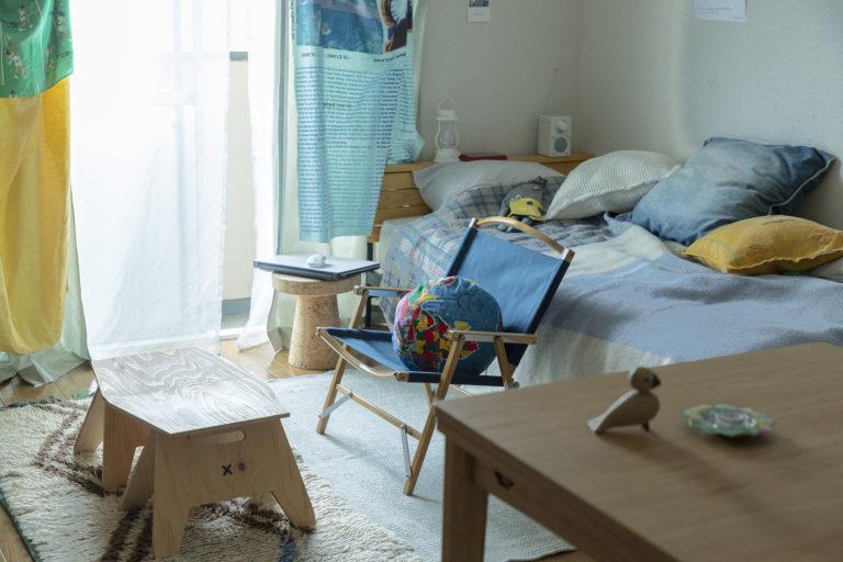 アウトドア用の椅子やテーブルも活躍してます。