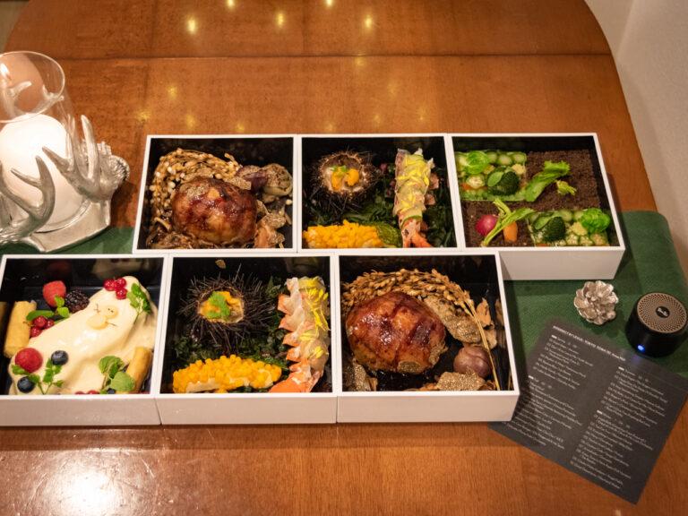 「おうちでクリスマスディナー」2名分 18,000円(税込)。