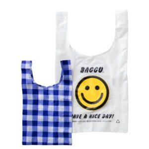〈バグゥ スタンダード〉の「折り畳みバッグ」…Standard bag 1,800円、Baby bag 1,500円(共にバグゥ/モットハウス・トーキョー 03-6325-2593)