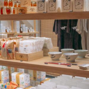 コラボレーション商品以外の人気商品も並んでいます。