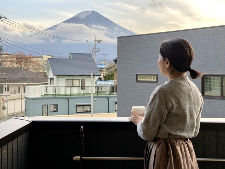 ベランダから見える富士山。