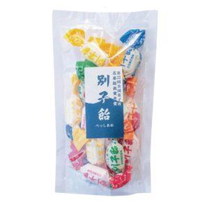 別子飴336円(別子飴本舗)。昔ながらの飴菓子。