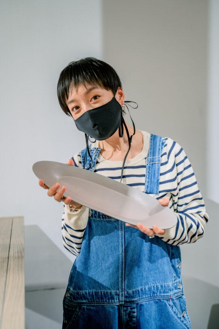 自粛中のインスタライブ配信を毎日見ていたほど、高山さんのライフスタイルに惚れ込んだファンの一人である私も、お皿を選んでいただきました・・・!