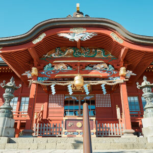 元禄13(1700)年に5代将軍・徳川綱吉の命によって造営された由緒ある幣殿・拝殿。