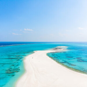 【沖縄】癒される絶景ビーチ&海辺スポット6選!まるで海外のような神秘的なロケーションも。