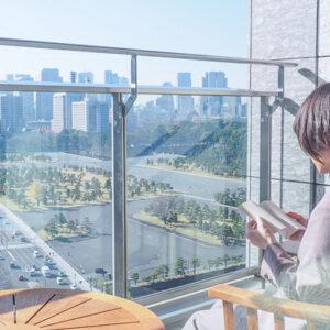 〈パレスホテル東京〉と〈文喫〉がコラボレーションした宿泊プランが登場。