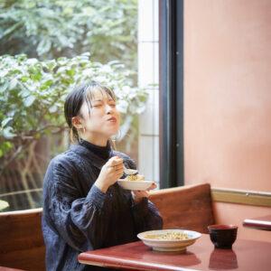 納豆インフルエンサー・鈴木真由子さんに密着!「納豆の魅力で複雑な社会問題も明るく乗り越えていきたい!」