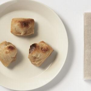 冬の朝食の定番・お餅! 創業225年の老舗〈日本丸店醤油〉から冬季限定の醤餅が登場。