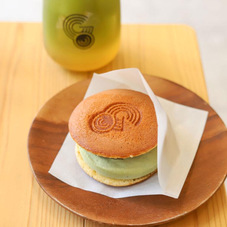 「アイスクリームチーズ抹茶どら焼き」500円