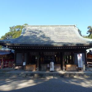 〈氷川神社(ひかわじんじゃ)〉