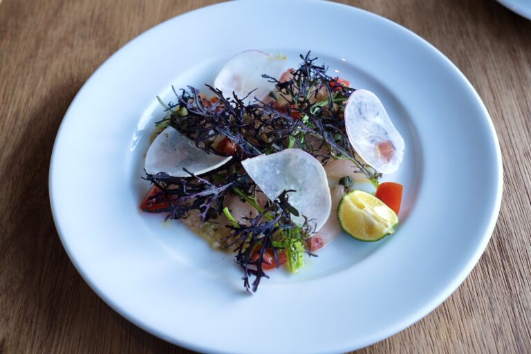 本日の鮮魚のカルパッチョ すだち添え。