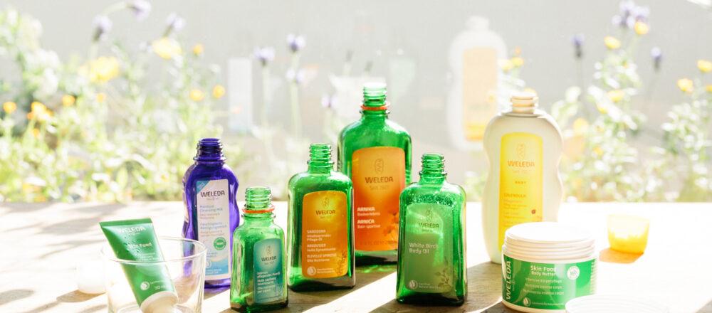 サステナブルな化粧品開発や製造に取り組んできた〈WELEDA〉。直営店で回収された容器は、原料や製品として再資源化される。https://www.weleda.jp/