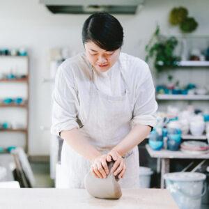 連載「食卓で使いたい、大分の手仕事」では、杵築の陶芸家・坂本和歌子さんを訪ねました。