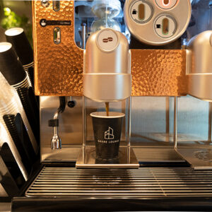 コーヒーは抽出方法が異なるマシンが複数用意されています。