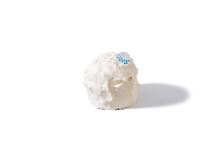 みるく ちっちゃいの 1,223円(税込)『ミルクの余韻が優しい進化系ショートケーキ』(下井美奈子さん)