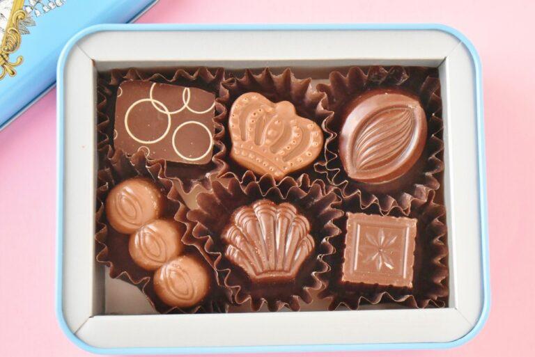 おすすめのダークチョコレートとミルクチョコレート3種ずつ計6個が味わえるアソート。