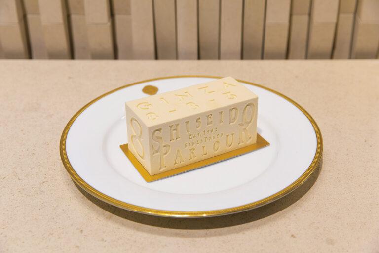『バタークリームはコク豊かでどこまでもなめらか(小野寺悦子さん)』