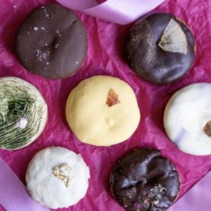 世界中の女性を応援するグラマラスなアメリカンクッキー〈Tough Cookie.〉。