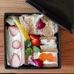 季節の美味しいものにあふれるフルーツサンドイッチ重 1,950円