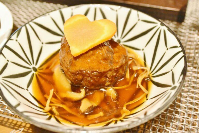 3種きのこと肉団子の醤油煮込み。