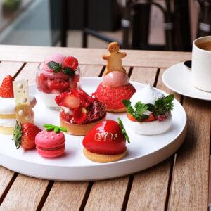 ジム帰りに苺スイーツはいかが?銀座〈NAMIKI667 Bar & Lounge〉からプロテイン入り「Strawberry Gym Cake Set」が登場!