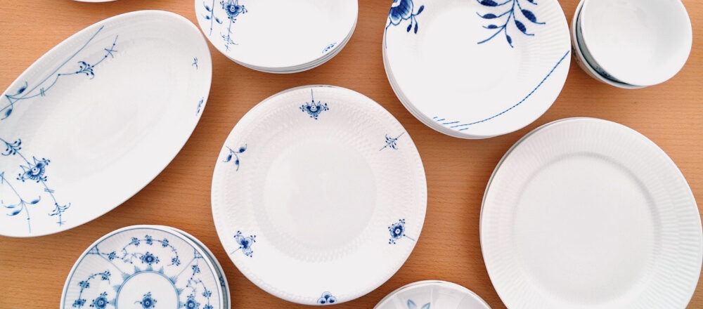 """働く女子の愛用品「""""食卓がきれいに見える""""と母にもらった〈ロイヤル コペンハーゲン〉の食器。」"""