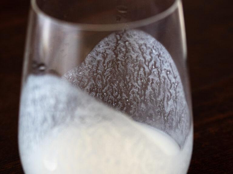 【にごり酒】プチプチはじける純白のにごり酒「山本 ど 純米」~『伊藤家の晩酌』~第二十二1本目/