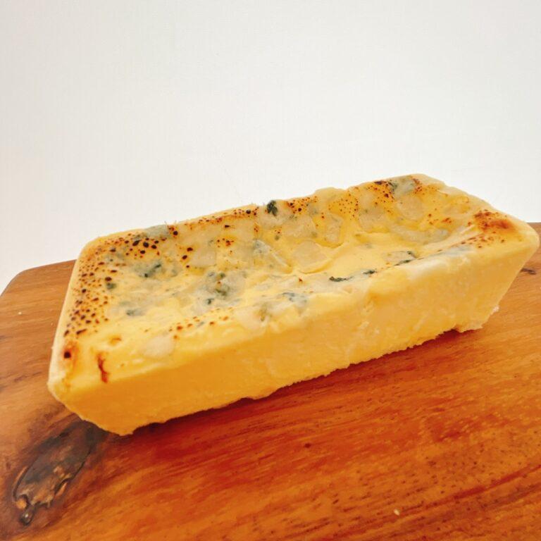 〈Ao〉の「生ブルーチーズケーキ」