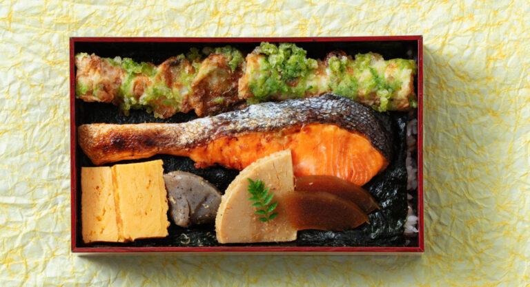 特製海苔弁当1,000円。銀鮭の塩焼きをはじめ、人気の和惣菜が贅沢に。